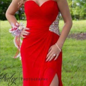 La Femme size 0 Red Prom Dress